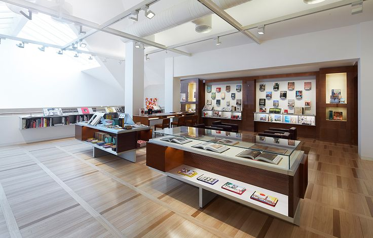 Louis Vuitton Opens Maison in Venice, Italy – A Look Inside