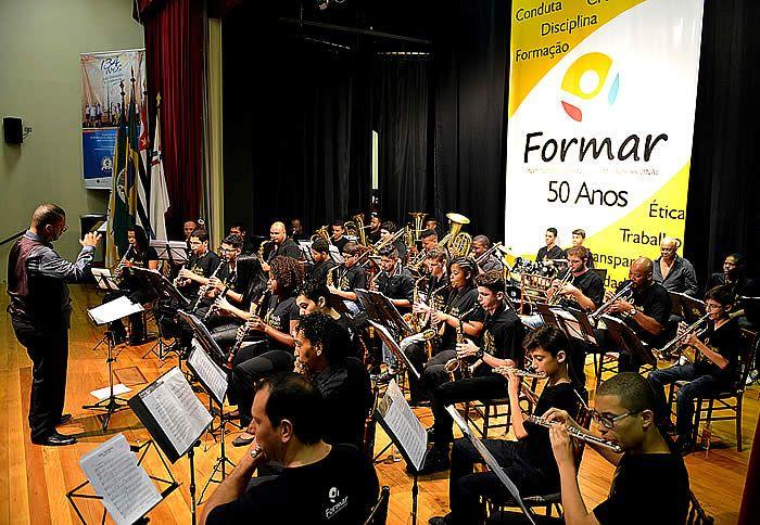 """O Instituto Formar realiza o Concerto """"Uma Viagem através da Música no Cinema"""", com a Banda João Romeu Pitolli no Teatro do Sesi Piracicaba."""