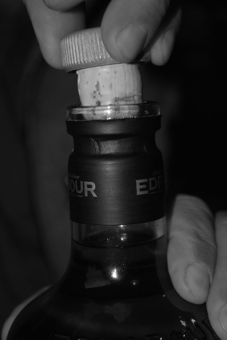 Edradour whisky bottle opening