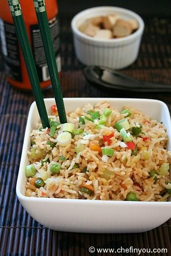 Vegetable Fried Rice (Indo Chinese) Recipe : This probably got to be a National favorite but for all its popularity this Indo Chinese recipe is all about simplicity and ease. Few ingredients come together to make a comfort dish. Extremely easy to adapt and adopt as per your preferences, which is why this one has as many versions as people ;).