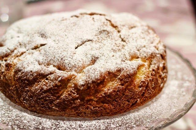 Senza Sale in Zucca: Torta di mele con amaretti, uvetta e pinoli