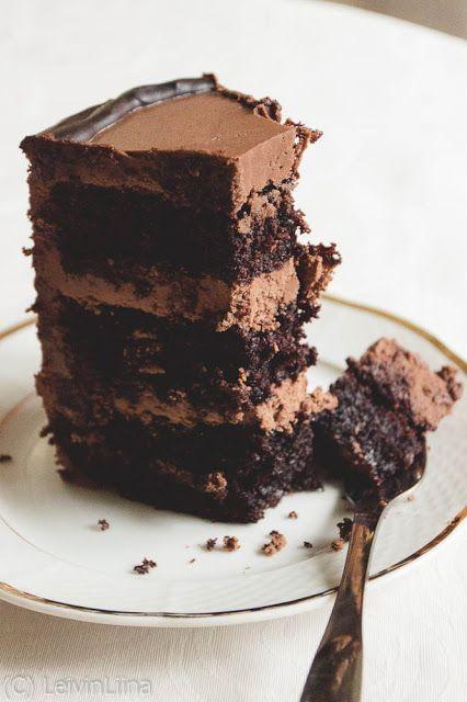 LeivinLiina: Suklaakakku suklaakreemillä