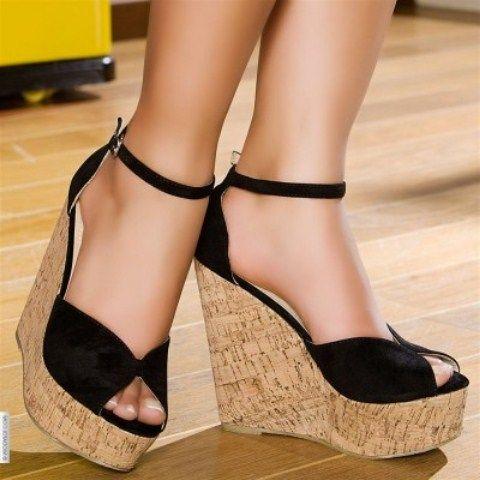 bilekten bağlamalı dolgu topuk sandaletler