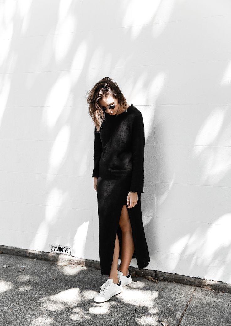 long sleeve maxi dress street style inspo fashion blogger transseasonal YSL chain bag monochrome modern legacy (10 of 13)