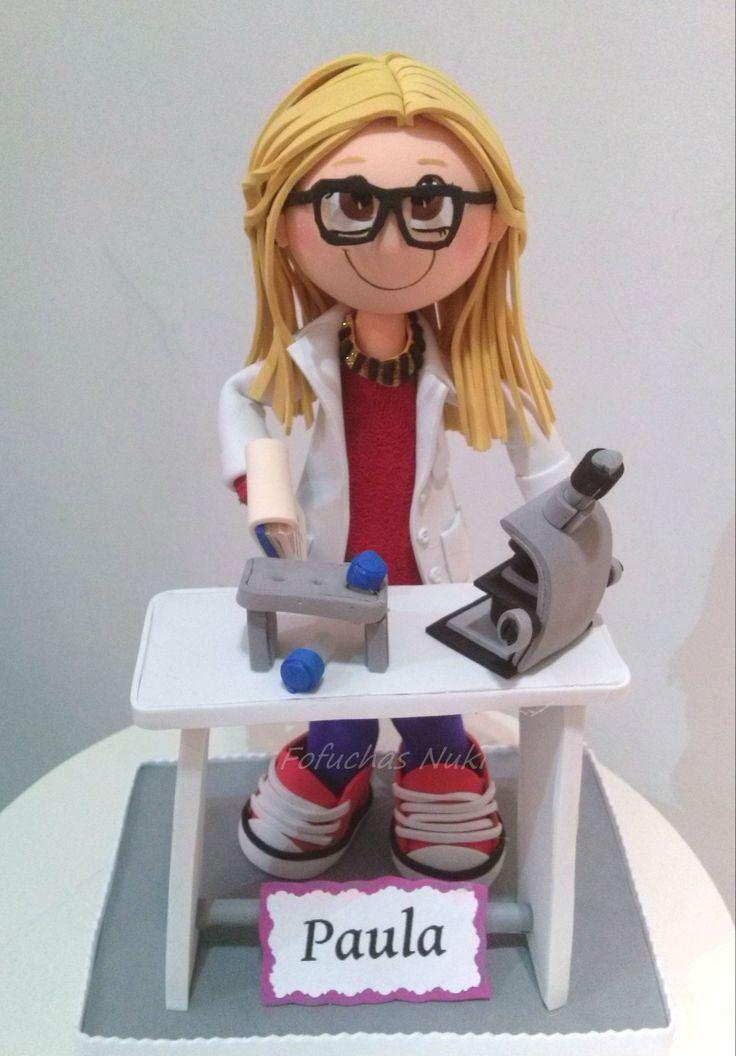 Fofucha en el laboratorio con microscopio  http://fofuchasnuki.blogspot.es/