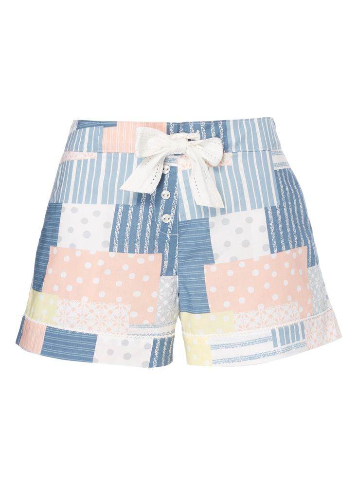 Give your nightwear a fresh update with these patchwork patterned shorts. Crafted purely from natural cotton, they are perfect for summery nights. Multicoloured patchwork pattern shorts Patchwork pattern Drawstring waist Scalloped pockets Model's height is 5'11