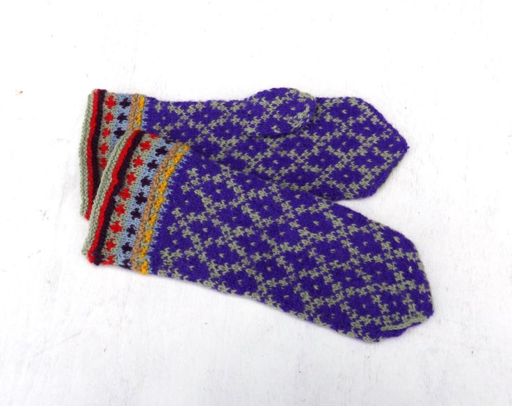 1063 best colorful ethnic mittens images on Pinterest | Hand ...