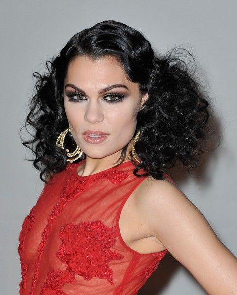 Retro Hairstyle: Jessie J Latest Black Curly Hairstyle for Women
