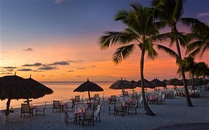 Beach dining at Marriott Stellaris Hotel in Aruba
