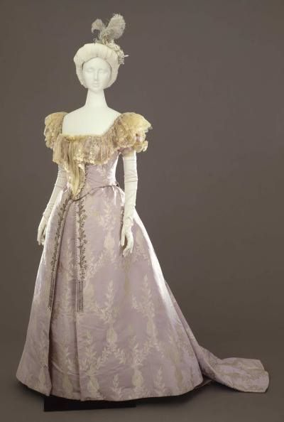 Evening dress, French, ca. 1894-1895 Galleria del Costume di Palazzo Pitti / Europeana Fashion