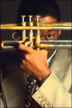 Wynton Marsalis = ( Lynn Goldsmith Photography) Jazz, post-bop, jazz poetry, classical, Baroque, avant-garde jazz, Big Band, Dixieland Jazz, Funk, jazz-Funk, jazz fusion, third stream, Big Band Jazz