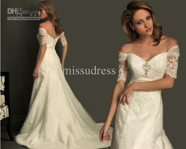 Fancy vintage noble off the shoulder short sleeves lace applique button wedding dress