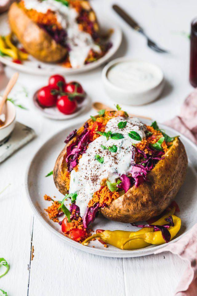 Kumpir mit Couscous  knackigem Salat ...repinned für Gewinner!  - jetzt gratis Erfolgsratgeber sichern www.ratsucher.de