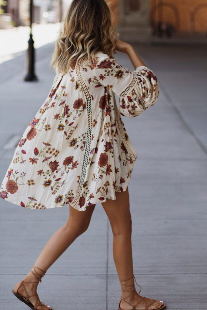 Is this a flowy super light jacket thing because if so, I love it. If it's a dress, I hate it lol