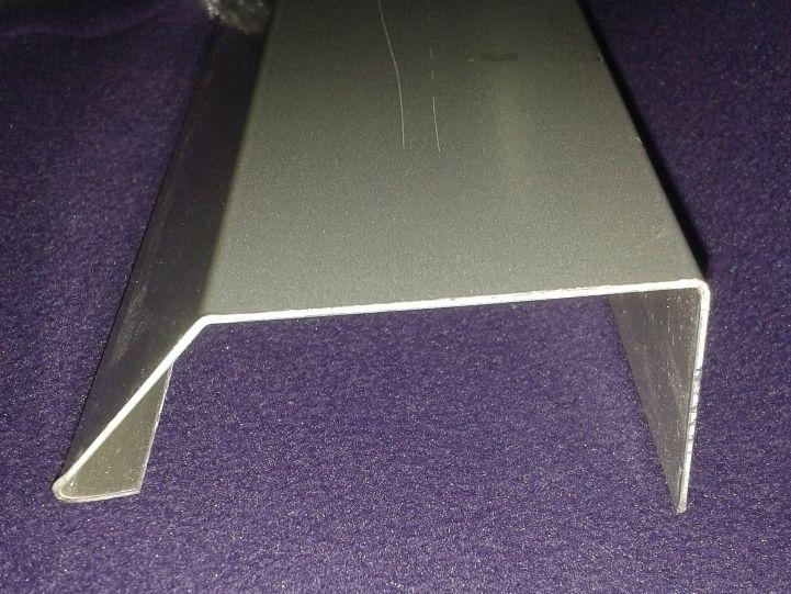 Perfil de Coronación SATE de aluminio lacado. Vierteaguas, perfil de aluminio para el Sistema de Aislamiento Térmico Exterior alfeizar poyete ventana