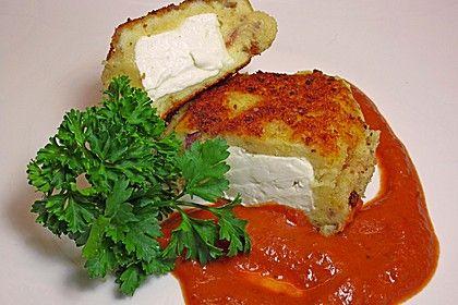 Kartoffelfrikadellen gefüllt mit Schafskäse, ein schmackhaftes Rezept aus der Kategorie Braten. Bewertungen: 169. Durchschnitt: Ø 4,2.