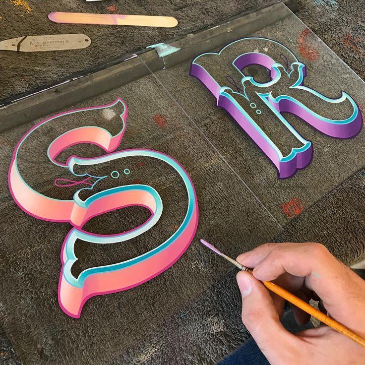 Brush blends on a couple of commissions ✍ . . . #alwayshandpaint #eddyartist #eddybennett #signwriting #signwriter #signporn…