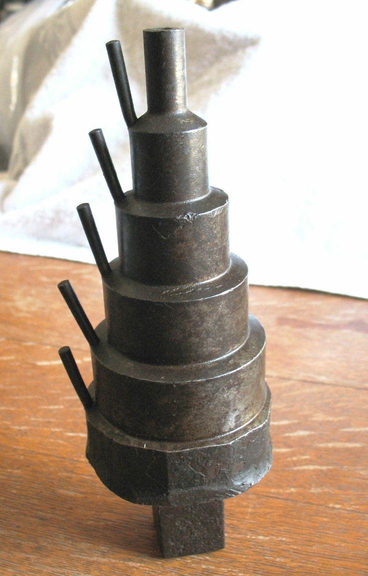 Vintage Blacksmith Tinsmith Specialty Anvil Cone Hardy