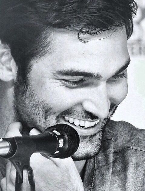 Tyler Hoechlin - That smile... :)