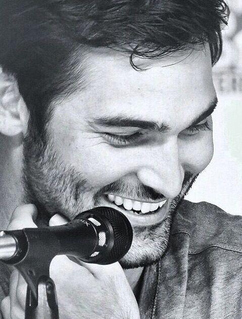 Tyler Hoechlin - That smile... :)