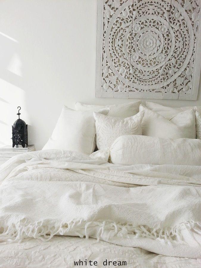 pinned by barefootblogin.com  white, moroccan bedroom | bedroom design inspiration bycocoon.com | interior design | villa design | hotel design | bathroom design | kitchen design | design products | renovations | Dutch Designer Brand COCOON