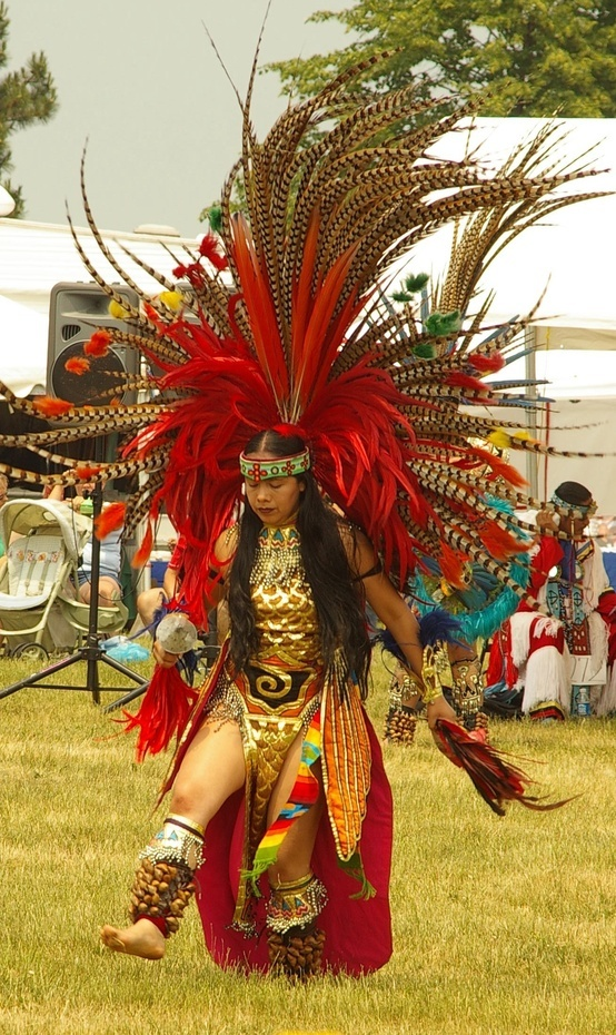 aztek dancer