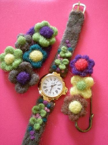 腕時計ベルトとブローチ|Craft Cafe(クラフトカフェ)