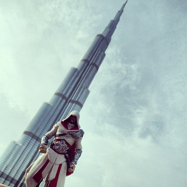 Every building here is taller than the last #BurjKhalifa #Dubai #UnitedArabEmirates #TheSanGimignanoOfTheNewEra #SoWantToClimbThat #ClimbAllTheThings #HopeEachLevelisForAHaystack