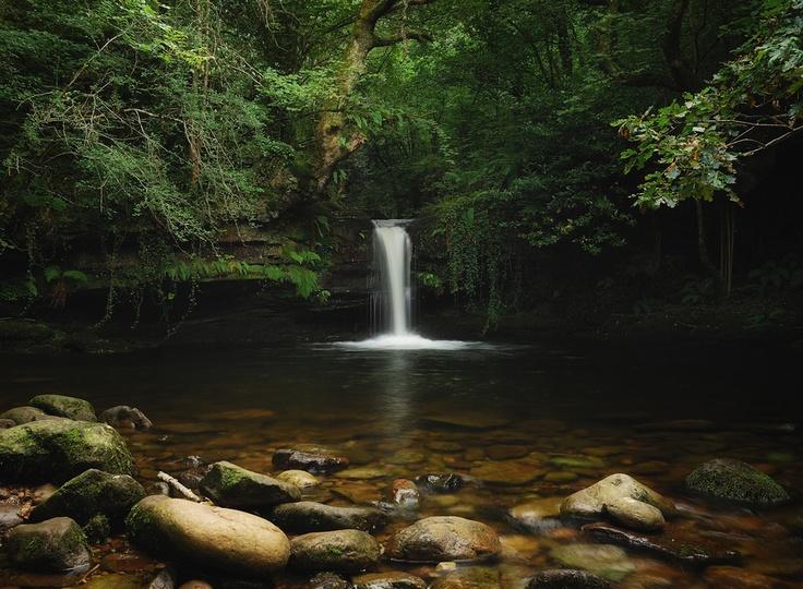 Foto de Ángel Diego. Cascada en Vega de Pas, en los Valles Pasiegos #Cantabria #Naturaleza #Bosque #Cascada #Nature #Forest #Waterfall #Spain  #Travel