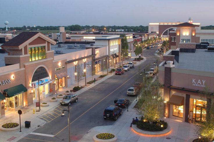 Bolingbrook Promenade Shopping Center Staycation