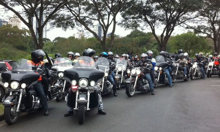 Um trem gigante, centenas de motociclistas e a manifestação agendada para o dia 13 março
