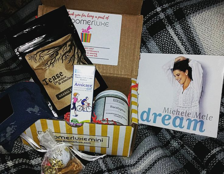 "The Feb Mini box sent Tweeted earlier today saying ""Yay!  Received my first Boomerluxe mini box today!  Can't wait to try everything!"""