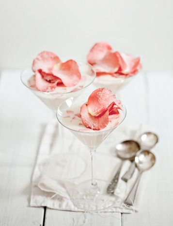 Pana cotta with rose water and petals: Rose Water, Sweet, Pudding, Roses, Food Photography, Panna Cotta, Rose Petal, Food Drinks