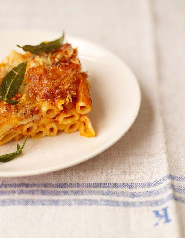 squash & ricotta pasta bake | Jamie Oliver | Food | Jamie Oliver (UK) #Pasta Visit: http://explodingtastebuds.com/