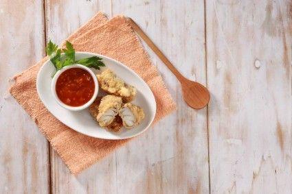 Kakap goreng bumbu ngohiong sajian lezat untuk santap siang/ malam.