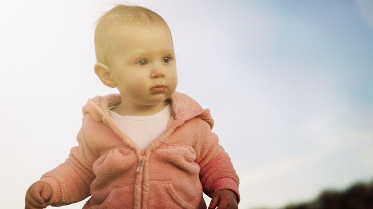 Outdoor photo of my baby girl during our walk. Check out more at www.beiaandluna.com