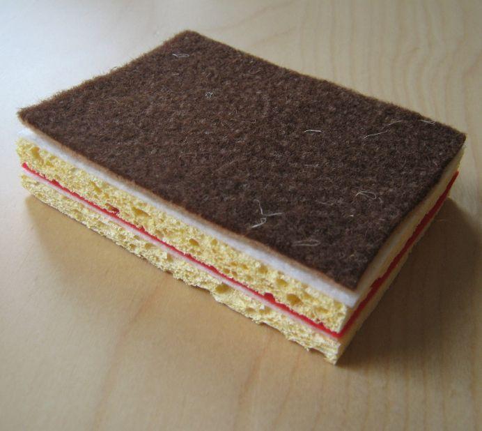 Kuchen für den Kaufladen selbst basteln: aus Filz und Schwämmen