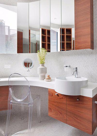 Отсутствие мелких деталей в интерьере ванной комнаты