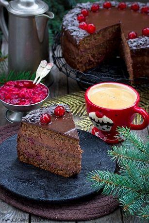 Kto powiedział, że przygotowanie tortu musi być trudne i czasochłonne? I że trzeba do tego posiadać jakieś wyjątkowe umiejętności? Dzisiaj mam dla Was