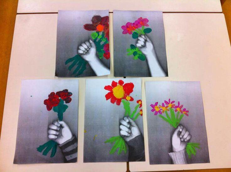 Onder het kopieerapparaat en de bloemen erbij schilderen. Gezien op kleuterwereld.