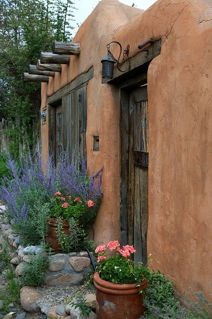 The magic of old adobe walls - plaster made from the terracotta clay of Santa Fe