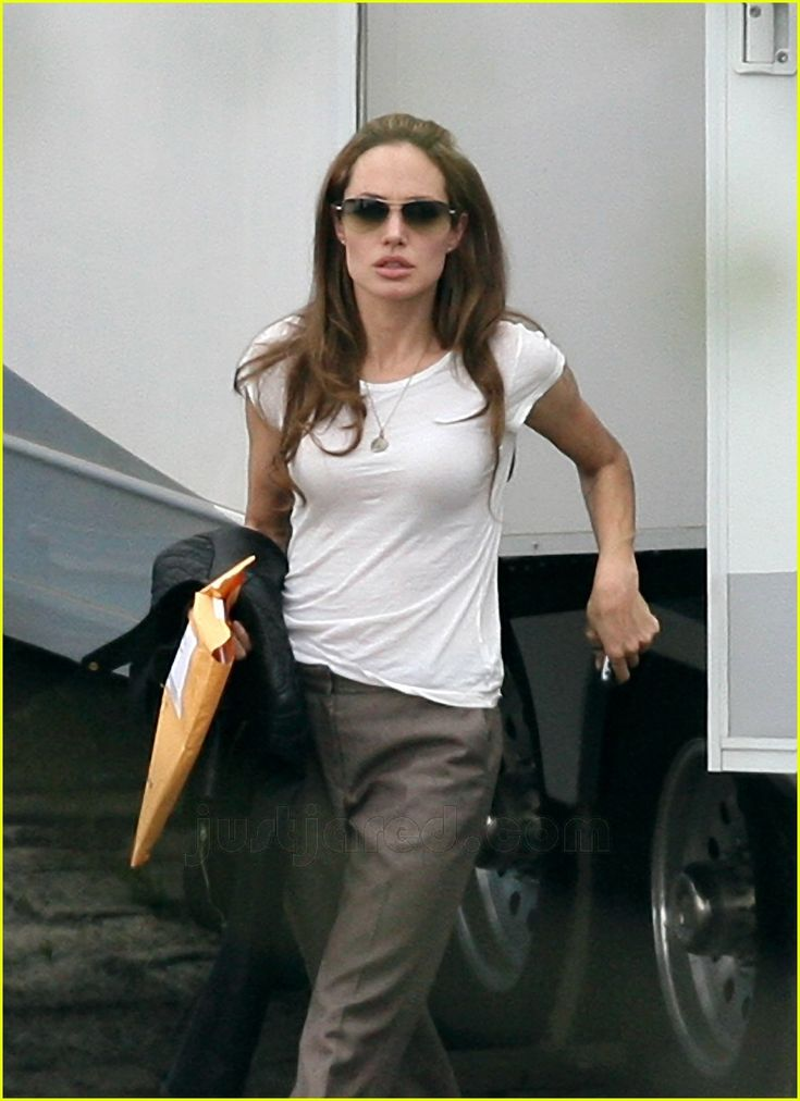 193 Best Images About Angelina Jolie Wearing Sunglasses On -8257