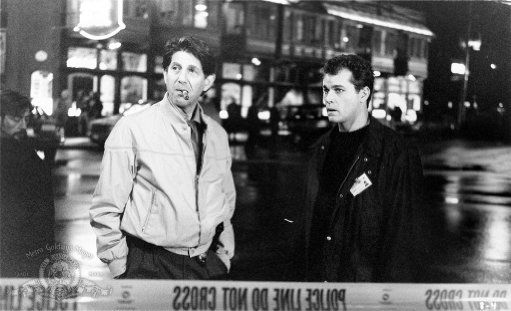 Ray Liotta and Peter Coyote in Unforgettable (1996)