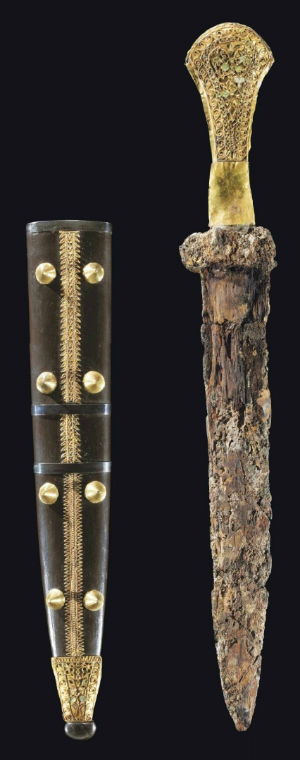 A GREEK GOLD, SILVER AND IRON DAGGER   HELLENISTIC PERIOD, CIRCA 3RD-2ND CENTURY B.C.