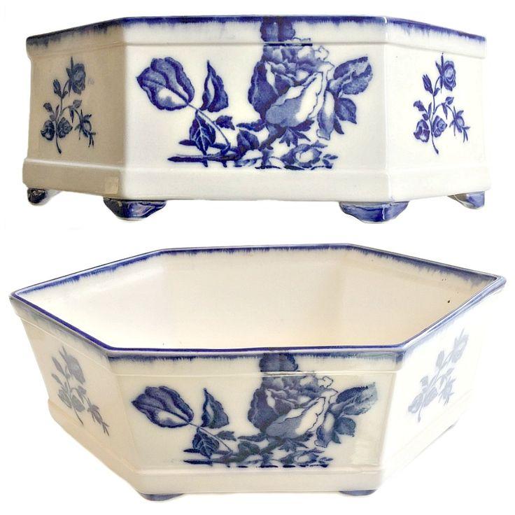 FrenchGardenHouse.com | Antique Blue & White Rose Centerpiece