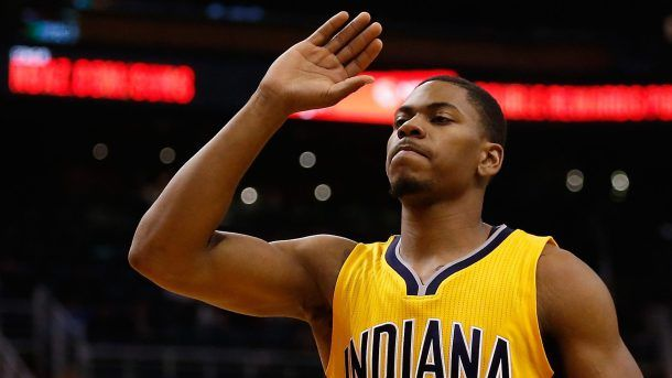 #NBA    PHOENIX, AZ - JANUARY 19:  Glenn Robinson III #40 of the Indiana Pacers reacts during the second half of the NBA game against the Phoenix Suns at Talking Stick Resort Arena on January 19, 2016 in Phoenix, Arizona.  NOTE TO USER: User expressly acknowledges and agrees that, by downloading and or using this photograph, User is consenting to the terms and conditions of the Getty Images License Agreement.  (Photo by Christian Petersen/Getty Images)