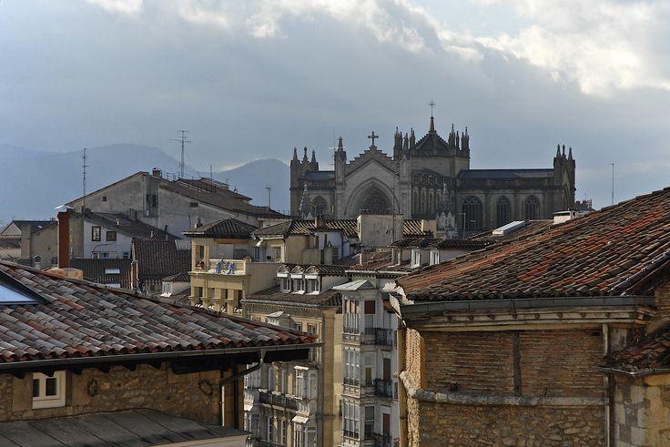 https://flic.kr/p/bYLpPh | [AA0259]* 2012/05/16_001 | VITORIA (GASTELZ):  Catedral de Santa Maria (ripresa da Cuesta de San Vicente)