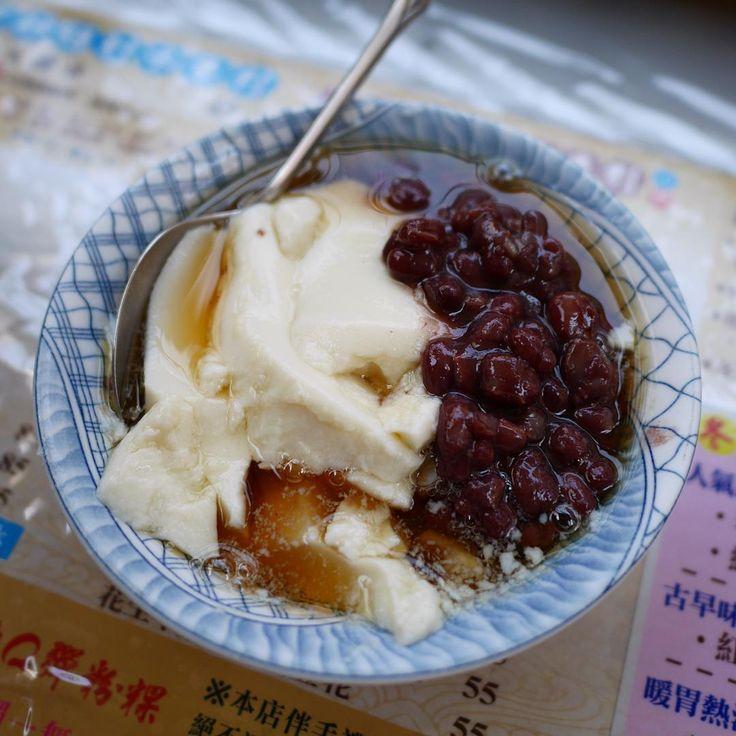 台湾スイーツと言えば、マンゴープリン、タピオカミルクティー、フルーツかき氷……などなど。それらと並んで台湾スイーツの代表とも言える「豆花」(ドウホワ)。作り方は簡単ですが、トッピングはさまざま。無限にアレンジできる 豆花レシピをご紹介します