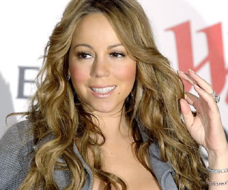 A behind-the-scene look at the life of Mariah Carey.