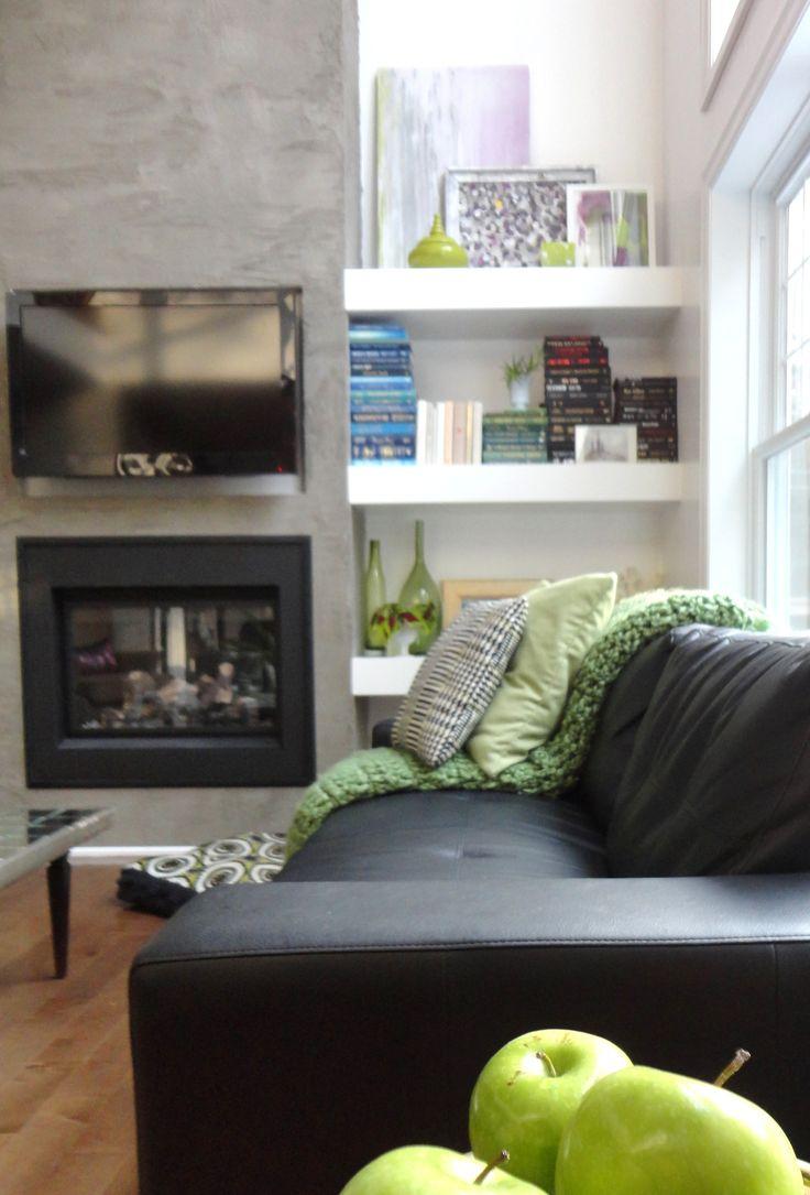 Living room shelves -restyled!